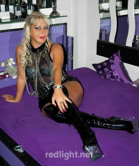 Lady Angelique - Bizarre Fetischlady in Múnich