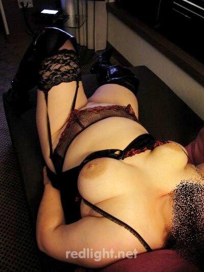 Sandra - MILF empfängt Dich nackt in Viersen